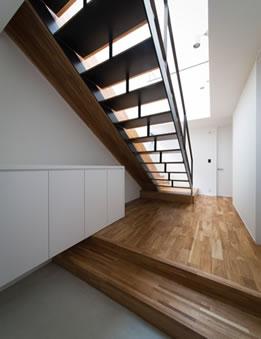 A HOUSE case004
