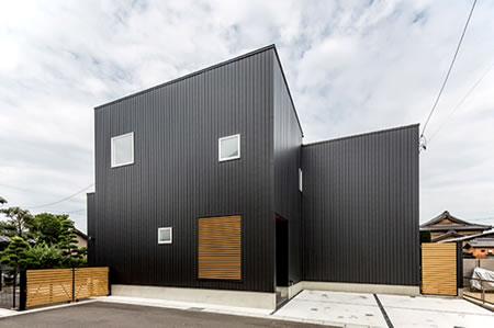 【S HOUSE】